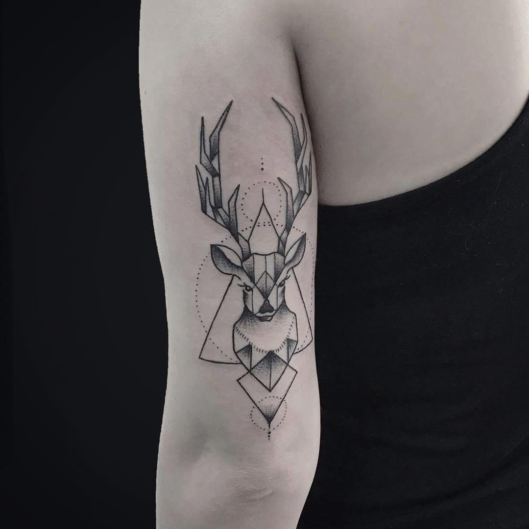 何小姐大臂几何麋鹿纹身图案图片